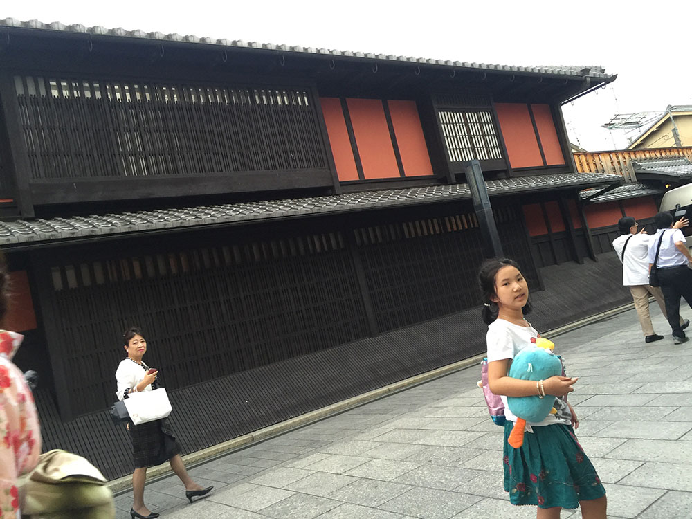 Yasaka-Shrine-Gion-22
